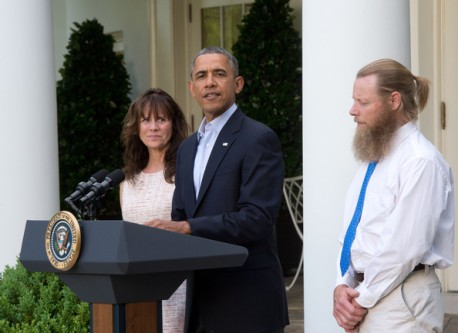 President Barack Obama stands in the Rose Garden at the White House with Jani and Bob Bergdahl, parents of Bowe Bergdahl.