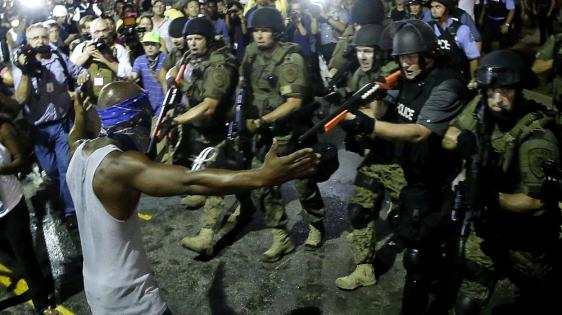 lat-ferguson-photos-1-wre0019698686-20140819