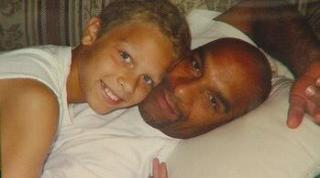Eric Harris with his son, Twitter image