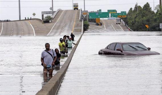 Houston TX interstate flooding